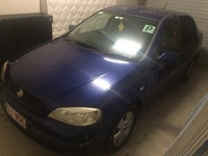 HOLDEN ASTRA 2004 AUTO Roxburgh Park Hume Area Preview