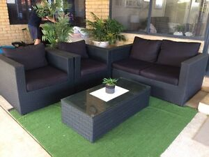 Wicker outdoor lounge suite Safety Bay Rockingham Area Preview