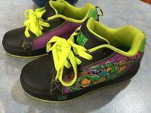 X-Treme Turtles roller sneaker kids US3 Munster Cockburn Area Preview