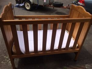 Baby cot Heatherbrae Port Stephens Area Preview