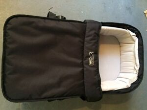 Mountain buggy urban jungle carrycot Forestville Warringah Area Preview