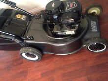 Free delivery immaculate Victa with Briggs&Stratton Parramatta Park Cairns City Preview