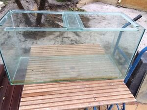 Large fish tank for sale- make an offer Canning Vale Canning Area Preview