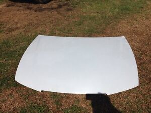 Vy Holden commodore bonnet Engadine Sutherland Area Preview