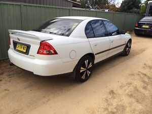 Vy Holden commodore (may trade for 4wd) Inverell Inverell Area Preview