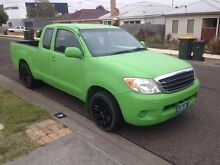 Toyota Hilux 2005 low kms Hamlyn Heights Geelong City Preview