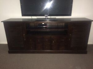 Balinese style entertainment unit Maryland Newcastle Area Preview