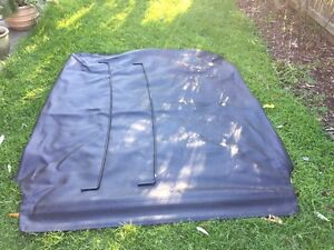 Holden VF VE ute original  tonneau cover and support bars Chelsea Kingston Area Preview