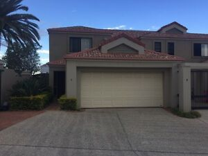Room for rent Benowa Gold Coast City Preview
