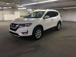2017 Nissan Rogue SV 2.5L AWD, HEATED SEATS, POWER SEATS, BAC...