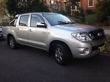 Hilux SR5 dual cab V6 auto Maroubra Eastern Suburbs Preview