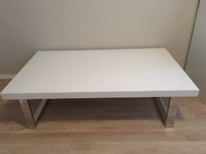Modern white polyurethane coffee table $$$$ Hinchinbrook Liverpool Area Preview