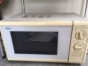 Free microwave! Hornsby Hornsby Area Preview
