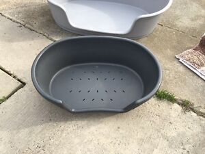 Small plastic dog bed Cranbourne Casey Area Preview
