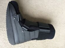 Cam walker moon boot size medium Cheltenham Kingston Area Preview