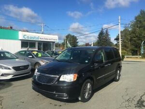 2014 Chrysler Town & Country Touring-L(NAV-Leather-Double DVD)