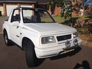 SUZUKI VITARA 94 SOFT TOP. Wattle Grove Liverpool Area Preview