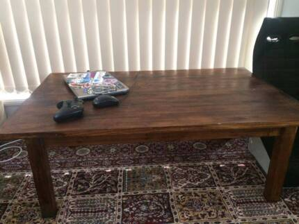 Dark stain wooden coffee table