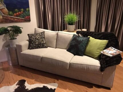 Beautiful couch sofa light grey OZ Furniture Dunlop Luxura