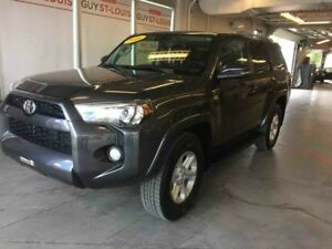 2016 Toyota 4Runner SR5  EXTRA CLEAN!! CUIR NAVIGATION MOONROOF