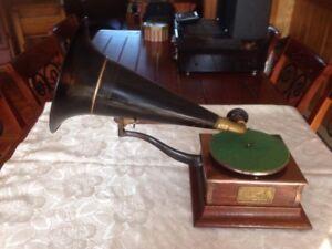 Gramophone  1550$
