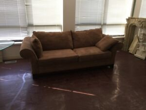 Excellent condition microfiber pullout couch