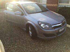 Holden astra coupe 2006 Roxburgh Park Hume Area Preview