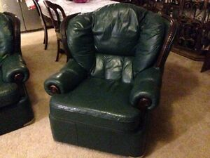 Leather Lounge & recliner Collingwood Park Ipswich City Preview