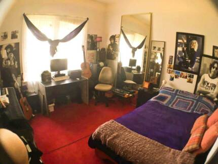Room Sublet for 5 weeks!
