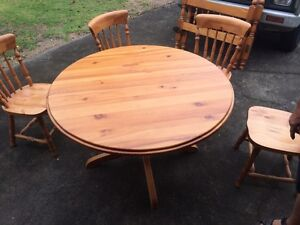 Dining table 4 chairs Traralgon Latrobe Valley Preview
