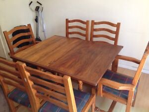Solid timer dining table with 6 Chairs in good condition Chester Hill Bankstown Area Preview