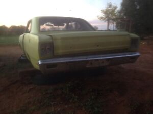 Valiant VF regal coupe shell Mannum Mid Murray Preview