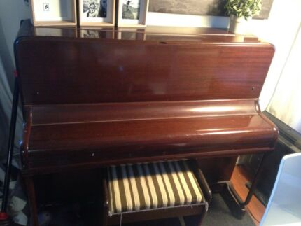 Upright Stelzner piano