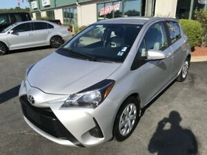 2018 Toyota Yaris LE FWD/AC/BLUETOOTH/BACKUPCAMERA/PWR WINDOW...