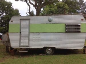 Vintage 16 foot Millard Starcraft caravan Ainslie North Canberra Preview