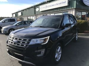 2017 Ford Explorer XLT 4X4/7 PASSENGER/ALLOYS/LEATHER/SUNROOF...