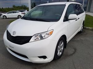 2012 Toyota Sienna CE*AC*CRUISE*MAGS*7 PASSAGERS*UN PROPRIO