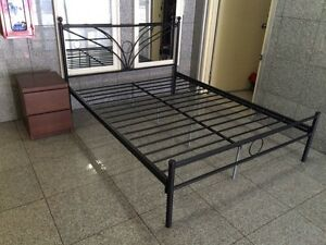 Queen size bed frame St Peters Marrickville Area Preview