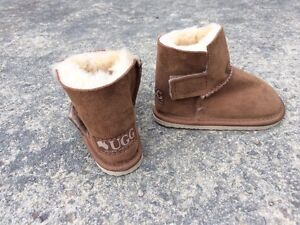 Size 6 NEW UGG boots Moorooduc Mornington Peninsula Preview