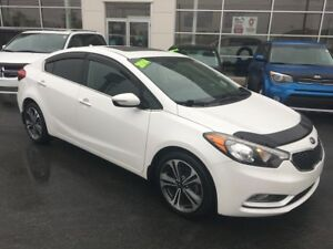2014 Kia Forte 2.0L SX 2.0L SX Leather Sunroof Navi. One owner.