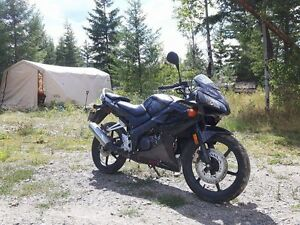 2009 Honda CBR 125cc - GREAT CONDITION, LOW KMS!