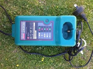 Makita charger Port Kennedy Rockingham Area Preview