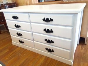 Lovely 8 drawers low boy, near new Sandy Bay Hobart City Preview