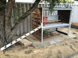 Chicken coop Huntingdale Gosnells Area Preview