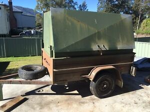 7x4 tradies trailer .10 months rego good tyres . Fridge included Gloucester Gloucester Area Preview