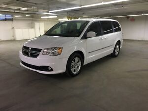 2017 Dodge Grand Caravan Crew LEATHER SEATS, BACK UP CAMERA,...