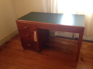 Vintage desk. Need to move ASAP $10 West End Brisbane South West Preview