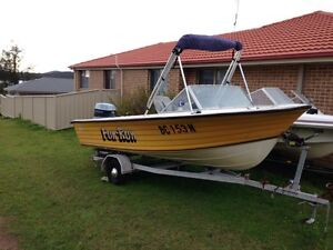 Two boats Karuah Port Stephens Area Preview