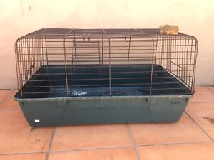 Guinea pig cage or pet carrier Benowa Gold Coast City Preview