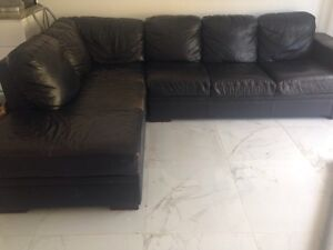 Leather lounge black Merewether Heights Newcastle Area Preview